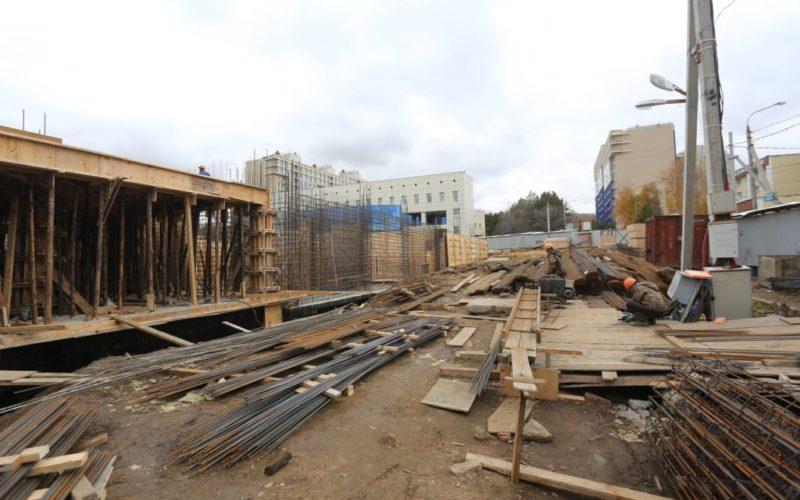 Строительство школы в Академгородке