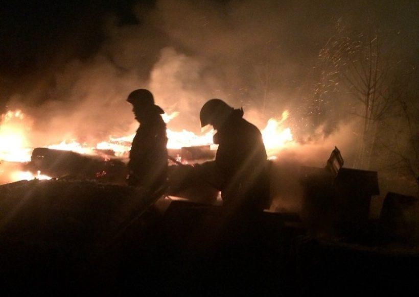 Производственное здание горело в Усолье-Сибирском утром 8 октября