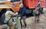 Чиновники убрали несанкционированную свалку на экосубботнике в Прибайкальском нацпарке