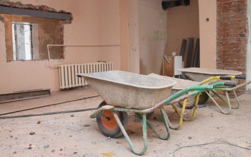 В Братске идет капитальный ремонт детской городской поликлиники