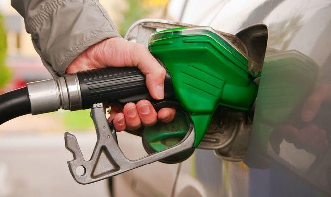В правительстве Иркутской области заявили о стабильной ситуации с ценами на бензин