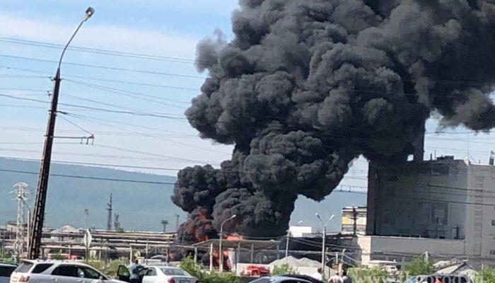 Лесопромышленный комплекс горит в Братске