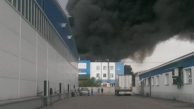Пожару на авиазаводе в Иркутске присвоен повышенный номер сложности