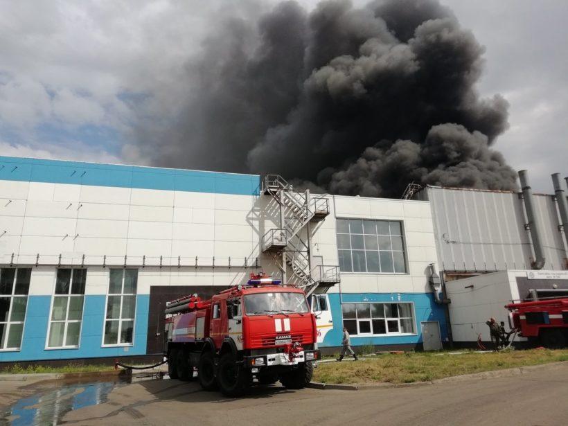 Пожар на авиазаводе в Иркутске. Фото и видео