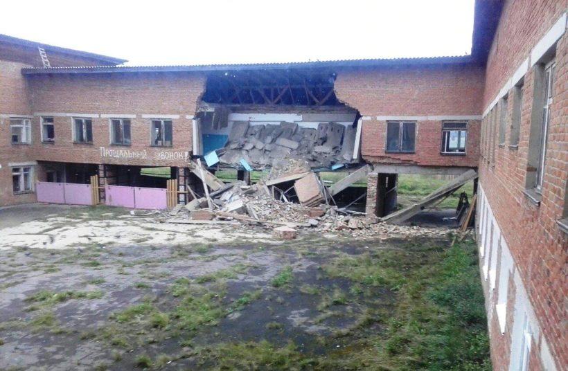 Учащиеся разрушенной школы в селе Уян приступят к занятиям на следующей неделе. Школа проходит техническое обследование