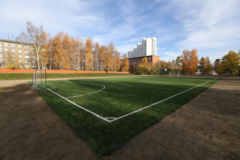 Многофункциональные стадионы оборудовали при иркутских школах