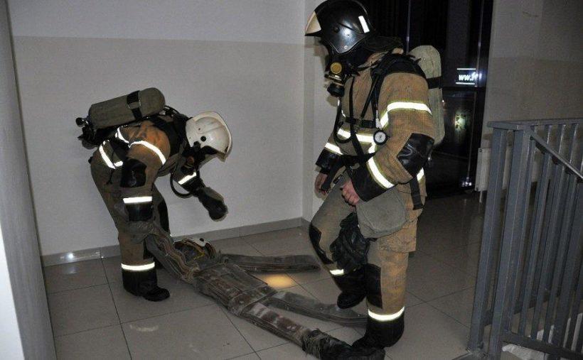 Спасатели проводят учения в ТРЦ Иркутской области