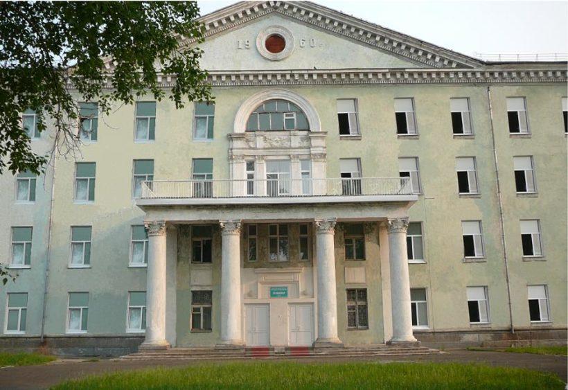 Жители жалуются на полчища тараканов в Братской городской больнице №3