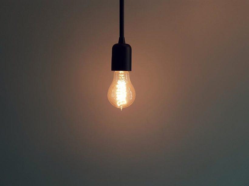 Пять соцобъектов и 125 домов в селе Онгурен Ольхонского района вторые сутки остаются без электричества