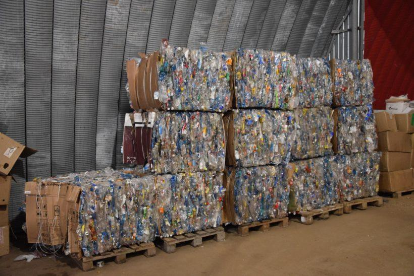 В Братске работает линия по сортировке мусора