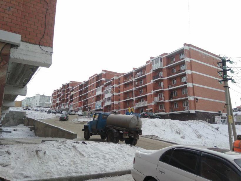 В части домов микрорайона Березовый в Маркова два раза за сутки отключали холодную и горячую воду