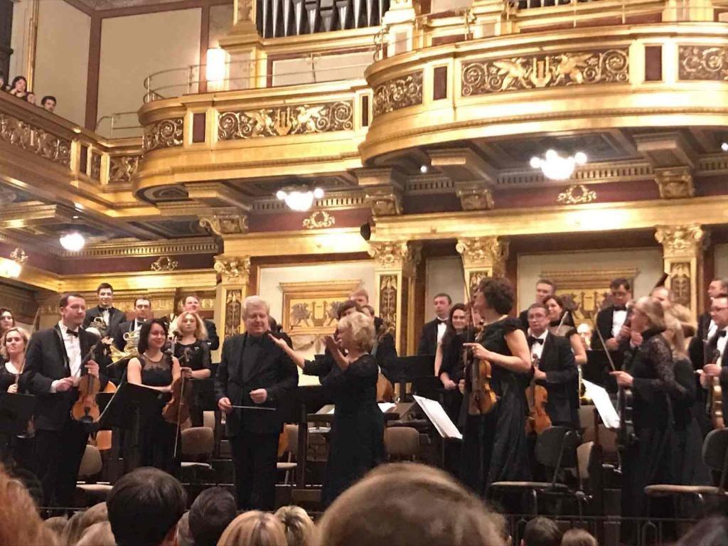 Иркутский симфонический оркестр отправился на гастроли в Австрию