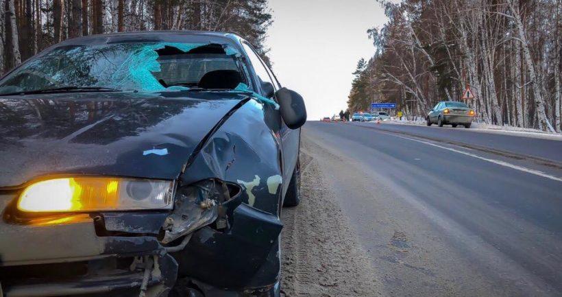 Женщина погибла под колесами машины на Александровском тракте