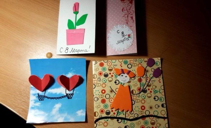 Маленькая иркутянка создает открытки к 8 марта, а средства от продажи передает на помощь сиротам