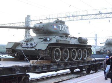 Эшелон из 30 танков проехал через Иркутск