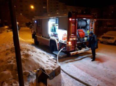 Крупный пожар произошел на территории предприятия в Усть-Куте