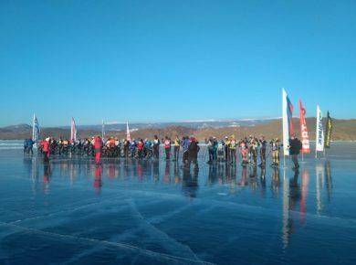 """""""Ледовый шторм"""" проходит на Байкале. Участники делятся красивыми видами озера"""