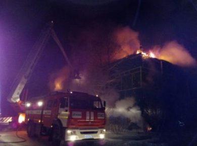 Магазин автозапчастей сгорел в зоне БЛПК в Братске