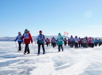 Более 150 человек приняли участие в фестивале скандинавской ходьбы на Байкале