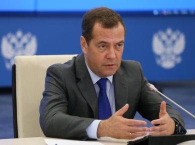 """Дмитрий Медведев поручил проверить строящийся в Култуке завод на соответствие """"самым высоким требованиям"""""""