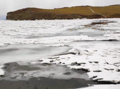 В районе Малого моря на Байкале повсюду наблюдается открытая вода из-за таяния льда
