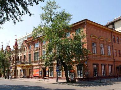 Выставка детского творчества, посвященная Году театра, открывается в Иркутске