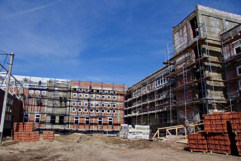 Строительство школы в микрорайоне Лесной в Иркутске выполнено на 60%