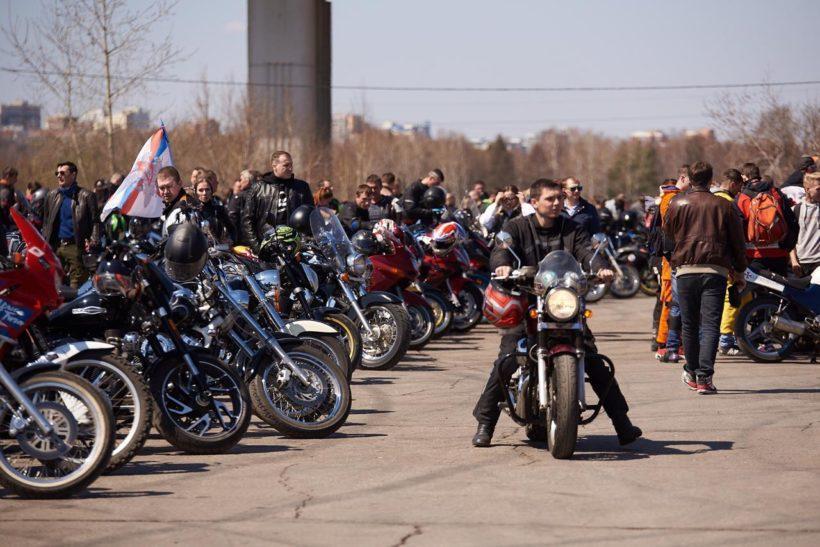 В Иркутске три тысячи мотолюбителей открыли новый сезон