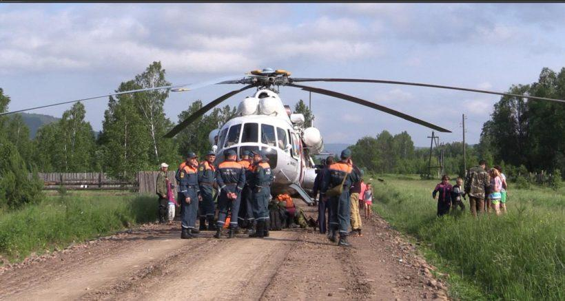 Работа спасателей в затопленных районах. Фото и видео