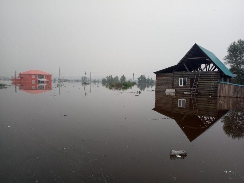 Уровень воды в реке Ия поднялся до 1125 см при критической отметке в 700