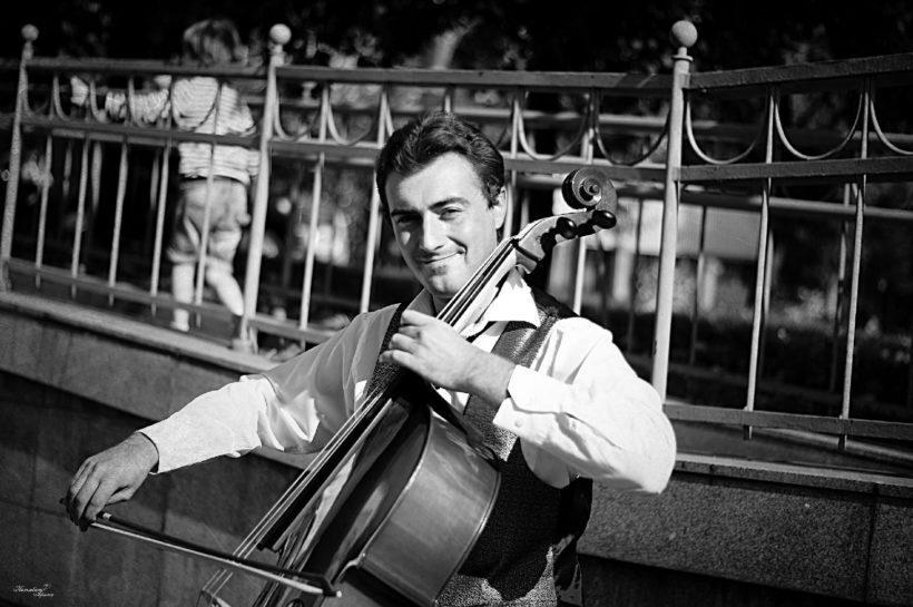 Странник в городе. Интервью с виолончелистом, полюбившимся иркутянам