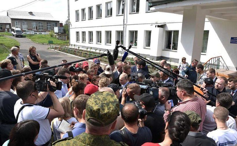 Владимир Путин пообещал ребенку из Тулуна машинку на пульте управления