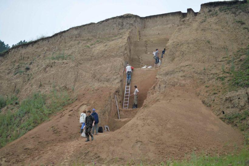 Иркутские археологи продолжают поиски древностей на знаменитой Бурети в Боханском районе