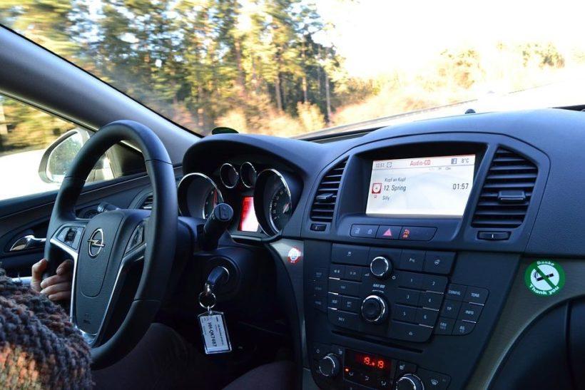 МВД предлагает дать право на управление ТС несовершеннолетним в сопровождении опытных водителей