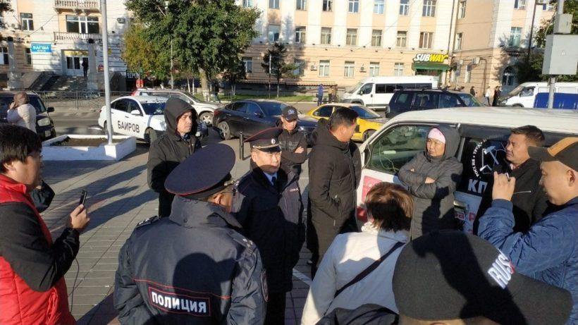 В Улан-Удэ прошли задержания участников акции протеста на Площади Совета