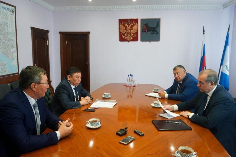 Глава Нукутского района попросил областной поддержки в строительстве социальных объектов