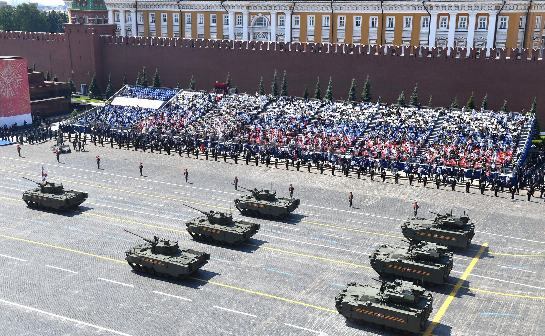 Парады Победы прошли почти в 30 городах России