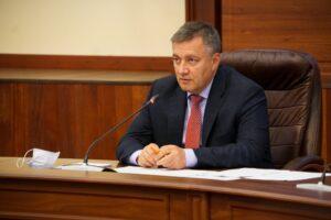 Кобзев поручил проверить факты завышения тарифов ЖКХ в Вихоревке