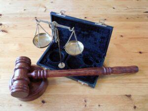Бывшего главу Нижнезаимска осудят за самовольную надбавку к зарплате в 28 тысяч рублей