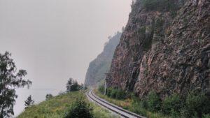 Движение поездов по КБЖД возобновят 21 сентября после прошедшего камнепада