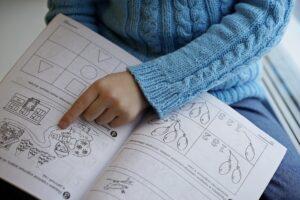 Некоторые классы в двух школах и лицее Братска перешли на удаленное обучение из-за COVID