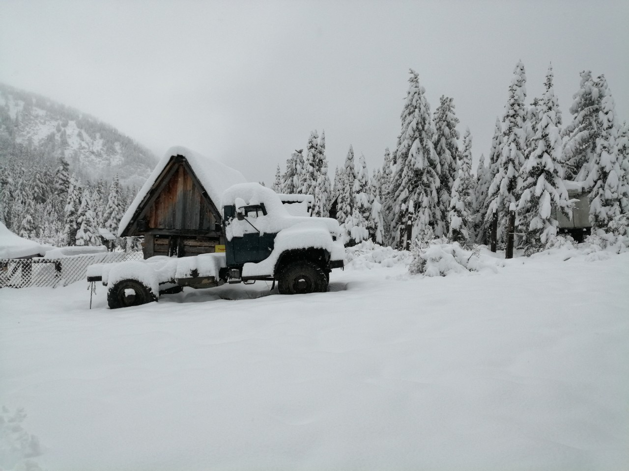 Снег выпал в Слюдянке 14 сентября