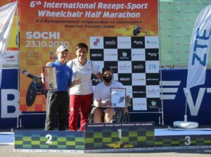 Спортсменка из Саянска завоевала серебро Международного полумарафона на спортивных колясках