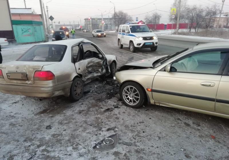 Двое несовершеннолетних и двое взрослых пострадали в ДТП в Нижнеудинске