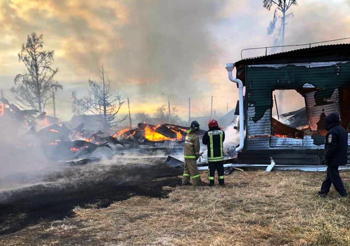 Причиной пожара в школе посёлка Большое Голоустное могла стать неисправная проводка