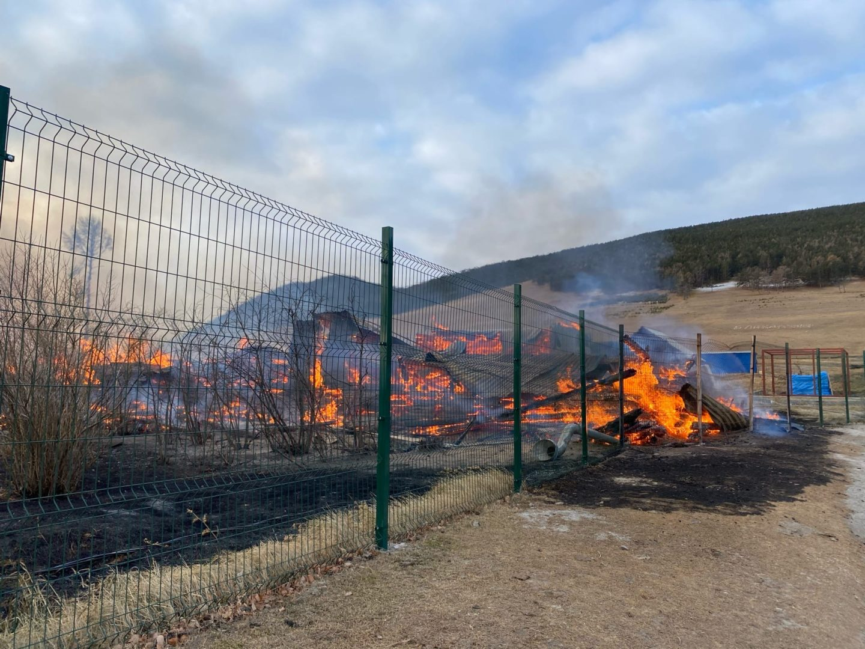 Учеников сгоревшей школы Большого Голоустного будут возить соседнее село