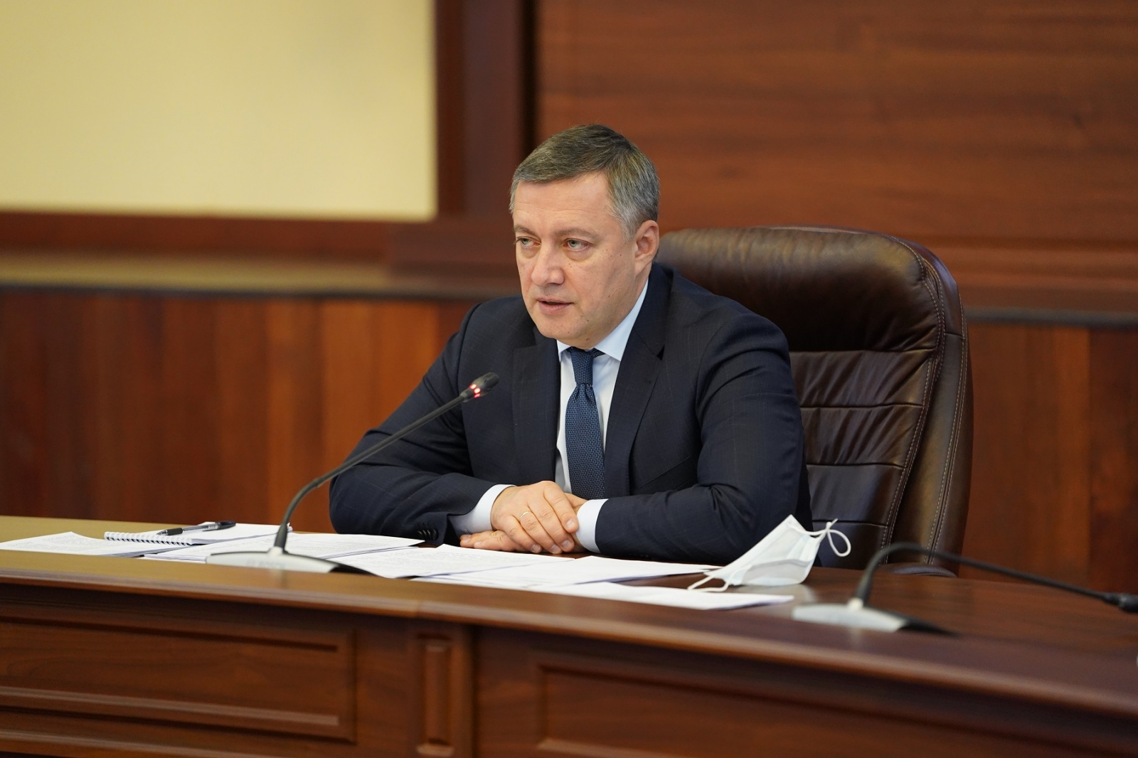 Игорь Кобзев поручил создать запас лекарств от COVID на праздники