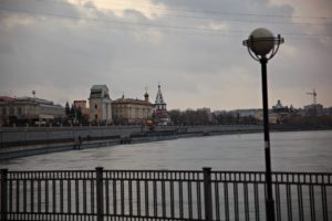 Девочка 13 лет упала с Глазковского моста в Иркутске и выжила