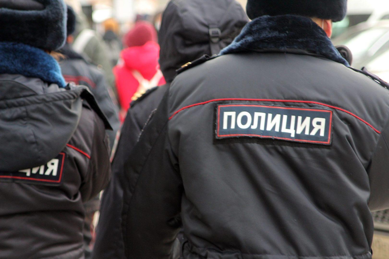 Полиция задержала мужчину, который силой завел второклассницу к себе домой в Иркутске