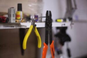 Двое мужчин незаконно изготавливали огнестрельное оружие в одном из ТЦ Иркутска
